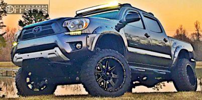 "2013 Toyota Tacoma - 20x12 -44mm - Fuel Maverick - Suspension Lift 6"" - 33"" x 12.5"""