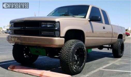 "1997 Chevrolet K1500 - 20x12 -44mm - Hostile Sprocket - Suspension Lift 6"" - 35"" x 12.5"""