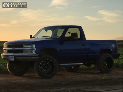 "1988 Chevrolet K1500 - 20x14 -76mm - Fuel Maverick D538 - Leveling Kit & Body Lift - 33"" x 12.5"""