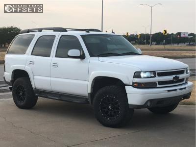 "2004 Chevrolet Tahoe - 17x8 -6mm - Dx4 Gear - Suspension Lift 3"" - 285/70R17"