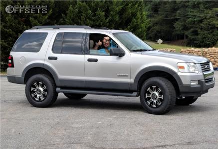 "2006 Ford Explorer - 18x9 10mm - Gear Off-Road Mechanic - Suspension Lift 2.5"" - 265/65R18"