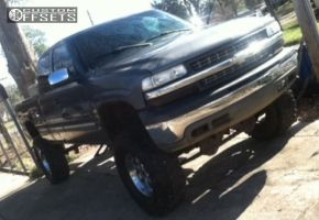 "2001 Chevrolet Silverado 1500 - 17x9 -12mm - Helo He791 - Suspension Lift 9"" - 315/70R17"