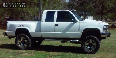 "1994 Chevrolet K1500 - 20x10 -24mm - Xd Rockstar - Lifted >9"" - 37"" x 13.5"""