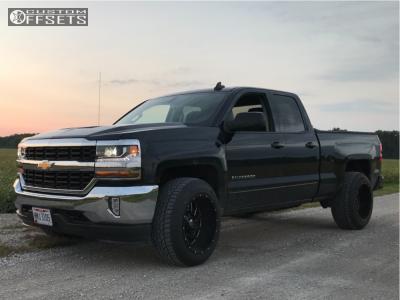 2018 Chevrolet Silverado 1500 - 20x12 -44mm - Hardrock Crusher H704 - Stock Suspension - 275/60R20