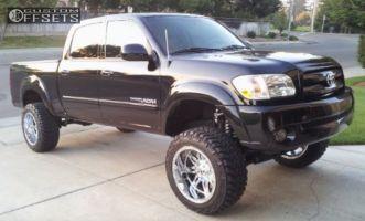 "2005 Toyota Tundra - 20x12 -32mm - Fuel Hostage - Suspension Lift 7.5"" - 295/55R20"