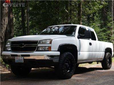 2006 Chevrolet Silverado 1500 - 18x10 -24mm - Moto Metal Mo962 - Leveling Kit - 285/65R18