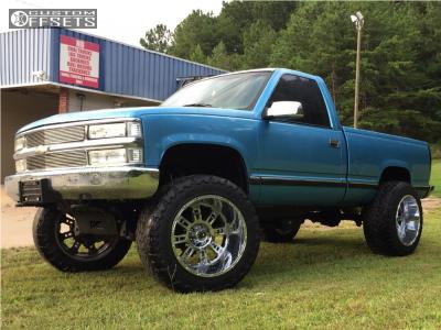 "1995 Chevrolet K1500 - 22x14 -76mm - XD Riot - Suspension Lift 6"" - 37"" x 13.5"""