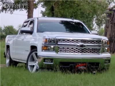 2015 Chevrolet Silverado 1500 - 22x9.5 31mm - DUB Baller - Lowered 2F / 4R - 305/40R22