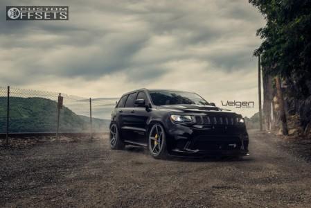 2019 Jeep Grand Cherokee - 22x10.5 35mm - Velgen Classic5 - Air Suspension - 305/35R22