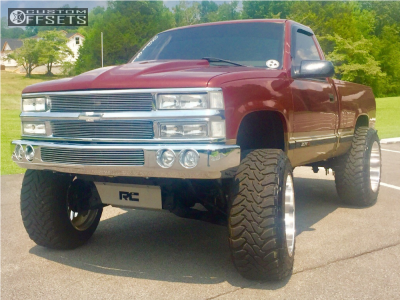 """1998 Chevrolet K1500 - 22x14 -76mm - Fuel Forged Ff29 - Suspension Lift 6"""" - 37"""" x 13.5"""""""