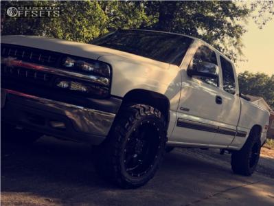 """2000 Chevrolet Silverado 1500 - 20x10 -19mm - Gear Off-Road Big Block - Stock Suspension - 33"""" x 12.5"""""""