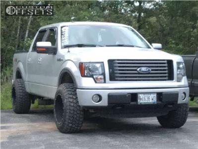 2012 Ford F-150 - 18x12 -44mm - Moto Metal Mo962 - Stock Suspension - 275/65R18
