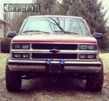"1997 Chevrolet K1500 - 15x8 -19mm - Black Rock Viper - Stock Suspension - 31"" x 10.5"""