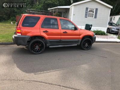 2006 Ford Escape - 20x8.5 38mm - Strada Moda - Stock Suspension - 245/35R20