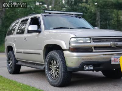 2004 Chevrolet Tahoe - 17x8 0mm - Helo He835 - Leveling Kit - 285/70R17