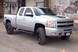 "2011 Chevrolet Silverado 1500 - 18x9 0mm - Moto Metal MO962 - Suspension Lift 3"" - 33"" x 11.5"""