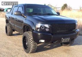 "2007 Chevrolet Avalanche - 20x12 -44mm - Moto Metal Mo962 - Suspension Lift 4"" - 33"" x 12.5"""