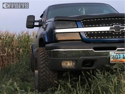 "2004 Chevrolet Silverado 1500 - 20x12 -44mm - Hostile Sprocket - Suspension Lift 4"" - 33"" x 12.5"""