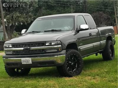 "2001 Chevrolet Silverado 1500 - 20x10 -24mm - Moto Metal Mo962 - Suspension Lift 4.5"" - 33"" x 12.5"""
