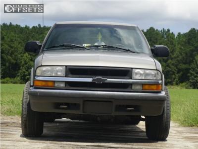 2000 Chevrolet S10 - 15x8 -19mm - Vision Soft 8 - Stock Suspension - 225/75R15