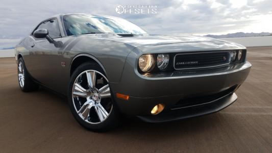 2012 Dodge Challenger - 20x9 13mm - Vision Stunner - Stock Suspension - 255/45R20