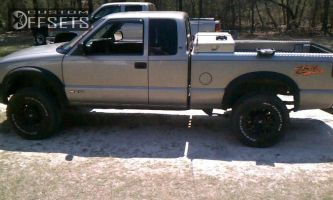 "2002 Chevrolet S10 - 15x7 0mm - Mb Wheels TKO - Leveling Kit - 31"" x 10.5"""