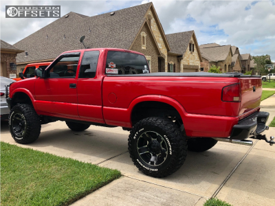 "2000 Chevrolet S10 - 17x9 -12mm - XD Xd811 - Suspension Lift 6"" - 295/70R17"