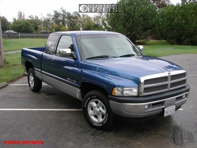 1994 Dodge Ram 1500 - 16x7 31mm - Stock Stock - Stock Suspension - 245/75R16