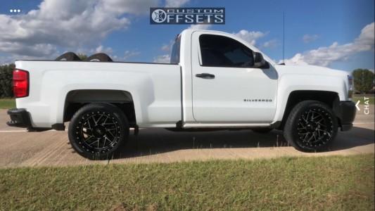 """2016 Chevrolet Silverado 1500 - 20x10 -18mm - Moto Metal Mo985 - Level 2"""" Drop Rear - 295/45R20"""