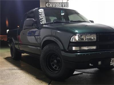 2002 Chevrolet S10 - 15x10 -44mm - Black Rock 942b - Stock Suspension - 265/70R15