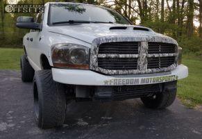 2006 Dodge Ram 2500 - 20x12 -44mm - Red Dirt Road Dirt - Lowered 2F / 4R - 305/50R20