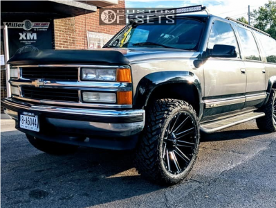 "1999 Chevrolet K1500 Suburban - 22x10 -18mm - Fuel Contra - Leveling Kit - 33"" x 12.5"""