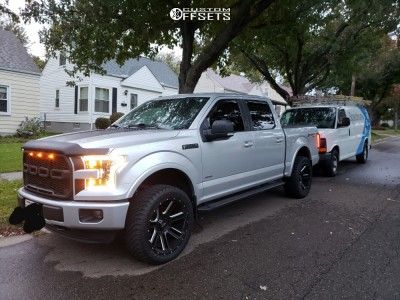 2015 Ford F-150 - 22x10 -18mm - Moto Metal Mo982 - Leveling Kit - 305/55R22