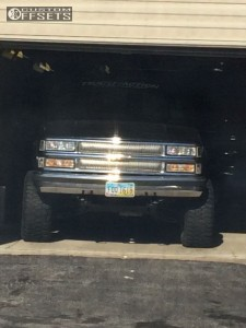 "1997 Chevrolet K1500 - 15x10 -45mm - Mickey Thompson Classic Iii - Body Lift 3"" - 33"" x 12.5"""