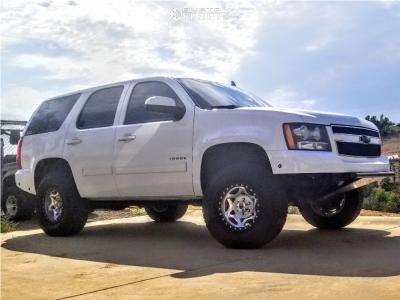 "2011 Chevrolet Tahoe - 17x8.5 1mm - Walker Evans Legend - Leveling Kit - 33"" x 12.5"""