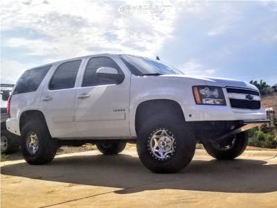 2011 Chevrolet Tahoe - 17x8.5 1mm - Walker Evans Legend - Leveling Kit - 305/65R17