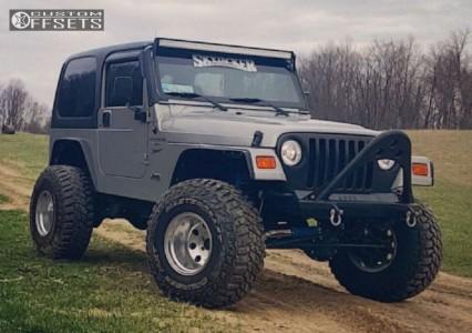 "2000 Jeep Wrangler - 15x12 -73mm - Mickey Thompson Classic II - Suspension Lift 4"" - 35"" x 12.5"""