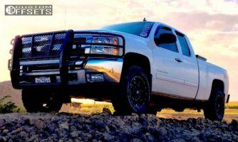 2012 Chevrolet Silverado 1500 - 18x9 -12mm - Fuel Hostage - Leveling Kit - 275/65R18