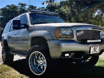 "2000 Cadillac Escalade - 20x12 -44mm - Moto Metal Mo985 - Suspension Lift 6"" - 305/55R20"