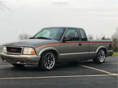 1998 GMC Sonoma - 18x8 0mm - US Mags Rambler - Lowered Adj Coil Overs - 245/40R18