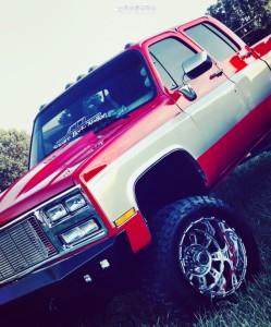 "1988 Chevrolet K3500 - 20x14 -76mm - XD Riot - Suspension Lift 4"" - 35"" x 13.5"""