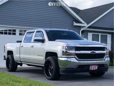 2017 Chevrolet Silverado 1500 - 22x12 -43mm - Fuel Triton - Stock Suspension - 305/40R22