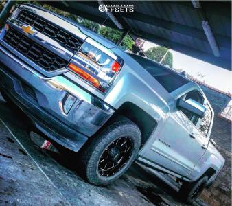 2017 Chevrolet Silverado 1500 - 18x9 0mm - Moto Metal Mo962 - Leveling Kit - 265/60R18