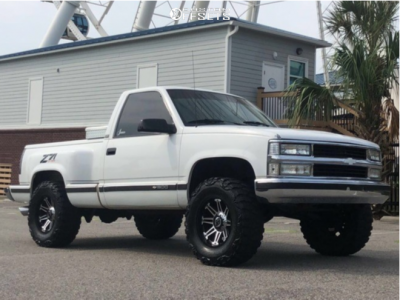 "1990 Chevrolet K1500 - 17x9 -18mm - Gear Off-Road Mechanic - Suspension Lift 4"" - 33"" x 12.5"""