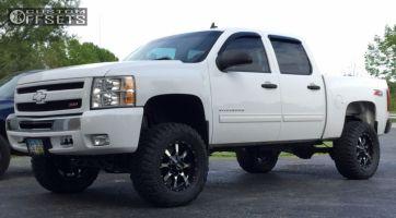 "2010 Chevrolet Silverado 1500 - 18x9 18mm - Moto Metal MO970 - Suspension Lift 6"" - 325/65R18"