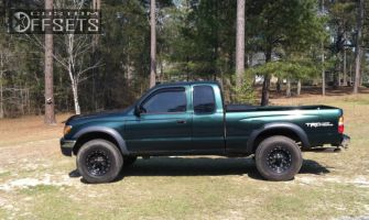 2004 Toyota Tacoma - 16x10 -38mm - Pacer 525 - Leveling Kit - 305/55R16