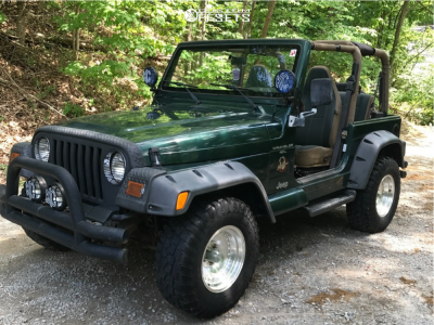 """2000 Jeep TJ - 15x8 0mm - American Racing Outlaw I - Stock Suspension - 31"""" x 10.5"""""""