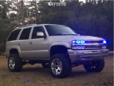 "2005 Chevrolet Tahoe - 20x12 -44mm - Moto Metal Mo976 - Suspension Lift 6"" - 35"" x 12.5"""