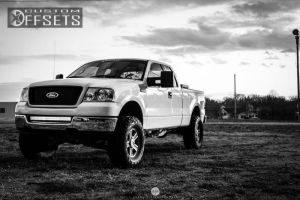 """2005 Ford F-150 - 17x7.5 40mm - Stock  Spaced Out Stockers - Body Lift 3"""" - 35"""" x 12.5"""""""