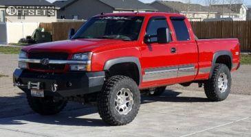 "2004 Chevrolet Silverado 1500 - 17x9 0mm - Moto Metal Mo957 - Suspension Lift 5"" - 35"" x 12.5"""